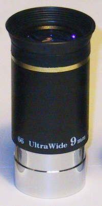 """OKULÁR SKY-WATCHER ULTRA WIDE 9mm 1.25"""" 66° - PRODEJ UKONČEN"""